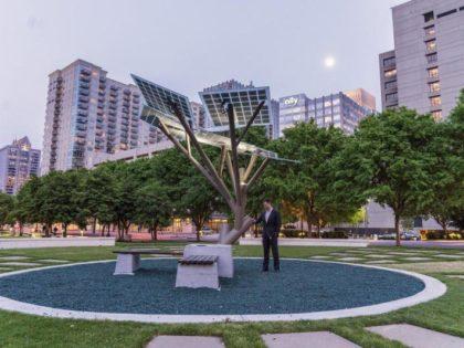 NEO ΠΡΟΪΟΝ: Έξυπνο Ηλιακό Δέντρο (Smart Solar Tree – eTree) από την CORE SOLUTIONS