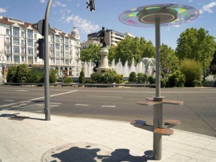 NEO ΠΡΟΪΟΝ: Έξυπνος Ηλιακός Στύλος (Smart Solar Pole)  από την CORE SOLUTIONS